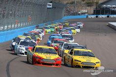Start of the race at Phoenix