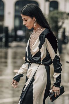 July 3, 2016  Tags Black, White, Pink, Paris, Gilda Ambrosio, Women, Prints, Dresses, Clutches, Earrings, Rings, Checkered, Lace, Cream, 1 Person, FW16 Women's Couture
