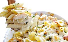 Nothing warms an oven quite like a chicken casserole. This comfort-inducing dish is a complete, nutritious meal-in-one: veggies, grains and lean meat . Mexican Sweet Potatoes, Sweet Potato Recipes, Chicken Recipes, Chicken Meals, Recipe Chicken, Rotisserie Chicken, Nutrition, Pasta, Chicken Casserole