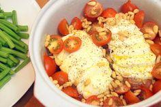 Deze kip caprese uit de oven met penne en sperziebonen is een feestje om te maken en vooral om op te eten!