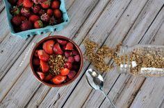 Strawberry Granola Breakfast: made with our 5-ingredient maple granola. Great for the morning dash #healthygranola #easygranolarecipe #glutenfreegranola #glutenfree #vegan #gardenfreshfoodie www.gardenfreshfoodie.com