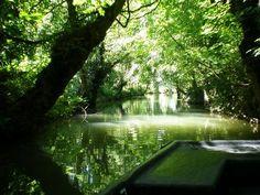 Promenade en barque dans le marais poitevin. © Pioupiou, CC by-sa 3.0