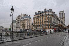 rainy day in Paris by Jo-PinX