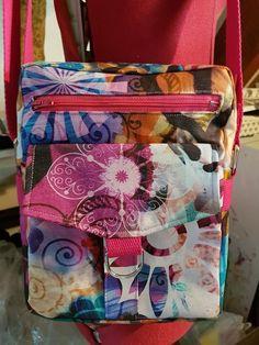 Pochette Jive en toile à motifs colorés cousue par Valérie - Patron Sacôtin Motifs, Suitcase, Lunch Box, Bags, Sewing, Handkerchief Dress, Canvas, Projects, Handbags