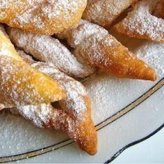 "The ""csöröge"" dough - ItsHungarian :) Hungarian Cookies, Hungarian Desserts, Hungarian Recipes, Hungarian Food, Cookie Recipes, Dessert Recipes, Dairy Recipes, Bread Recipes, Donuts"