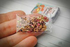 Cereal box with Müsli cornflakes Dollhouse miniature by toyZZ