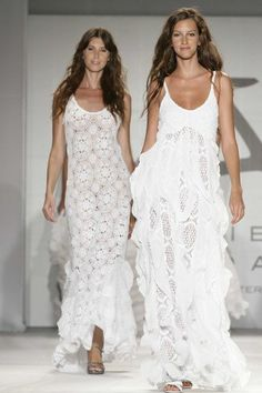 Imagen moda-ibicenca-primavera-verano-2017-modelos-calados del artículo Los vestidos ibicencos – Tendencias Invierno 2018