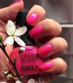 You've loved them last year so they are back - the flowery #ManiMonday! First one enters with a bang a strong and bright #pink from @orlynails  W zeszłym roku cieszyły się Waszą sympatią więc wracają! Kwiatowe poniedziałkowe #manicure... Pierwszy z mocnym akcentem w końcu jest wiosna! Mocny jaskrawy róż od @orlypolska  WILD AT HEART 303  #paznokcie #paznokcienawiosne #nails #nailswag #vegannails #crueltyfree #vegan #wegańskie #weganizm #wiosna #spring #orly #flower #kwiaty #drzewo #polska…
