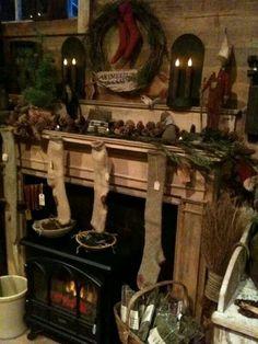 Prim Christmas Mantle Christmas Fireplace, Christmas Room, Prim Christmas, Christmas Mantels, Vintage Christmas, Christmas Holidays, Christmas Ideas, Primitive Christmas Decorating, Primitive Country Christmas