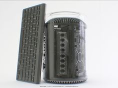 2013-apple-mac-pro-in-glass-05
