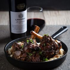 When I tasted Lanzerac's Le General I knew these shanks will be the perfect match for that great wine. Pinot Noir, Homemade Wine Recipes, Berry, Lamb Shanks, Pub Food, Food Photography Styling, Wine Photography, In Vino Veritas, Health Eating