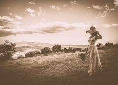 novia en el campo  #novia en el #valledeltietar #fotografia de #boda