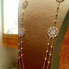Tout simplement beau. . Ce sautoir sublimera vos looks raffinés #Rafinity #MoroccoMall Gold Jewellery Design, Bead Jewellery, Silver Jewelry, Jewelry Necklaces, Jewlery, Djula Jewelry, Moroccan Jewelry, Jewellery Sketches, Fashion Jewelry