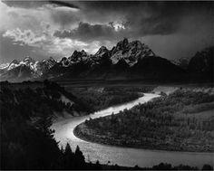 Ansel Adams utilizaba cámaras de gran formato, de 4×5 y de 8×10 pulgadas (relación 5:4) para sus famosos paisajes