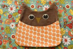 This owl is really cute! Would make a cute bag or pillow.