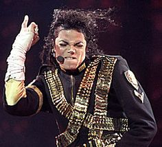 Michael Jackson's face in this pic is the best!