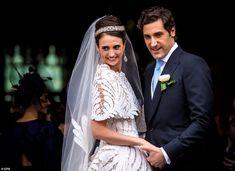 Napoleon Bonaparte's heir marries descendant of French Emperors wife Jean Christophe Napoleon, Camilla, Olympia, Princesa Beatrice, Vestidos Oscar, Famous Couples, Royal Weddings, Floral Crown, Royal Fashion