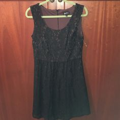 Pretty Lace cocktail dress, NWOT, 4.🎈FLASH SALE Black lace over brown fabric. Has loops for a belt, but the belt is missing, so dress it up or down...make it your own!  Dress was never worn but does not have tags. Oleg Cassini Dresses Midi