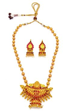 Product information: Artfully designed, these necklaces add a hint of raw ethnic beauty to any look from house of Alankruthi SKU Color Glod Occasion we 1 Gram Gold Jewellery, Temple Jewellery, Gold Jewelry, Necklace Set, Pearl Necklace, Gold Plated Necklace, Golden Color, Fashion Jewellery, Ethnic Jewelry