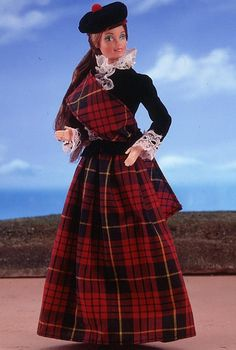 Collectiable Barbies-From The Dolls Of The World Collection-Scottish Barbie 1st Edition-1981