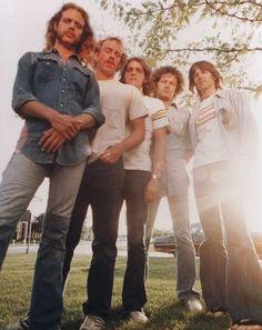 Glenn Frey and Joe Walsh Bootleg - Little Rock 1993 Eagles Music, Eagles Band, The Endless River, History Of The Eagles, Randy Meisner, Glenn Frey, Hotel California, Rockn Roll, American Music Awards