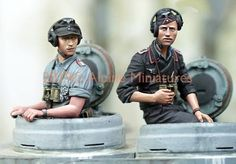 Alpine Miniatures has gone against the grain of making their perceived niche of late WWII Winter German Tanker crews with a pair of summe. The Modelling News, Pistol Holster, Tiger Tank, Model Tanks, Tank I, Military Modelling, Elm Street, Figure Model, Model Kits