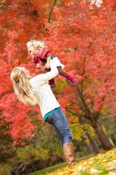 fall family photos | Fun Fall Family Photos In Spokane - Crystal Madsen Photography