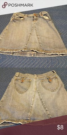 Vintage Old Navy Girl's distressed skirt size 14 Excellent condition. Old Navy Bottoms Skirts