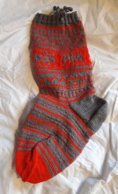 Bücherwaage - Nikolaussocke XXL Winter Hats, Fashion, Small Shops, Hand Crafts, Things To Do, Threading, Moda, Fashion Styles, Fashion Illustrations