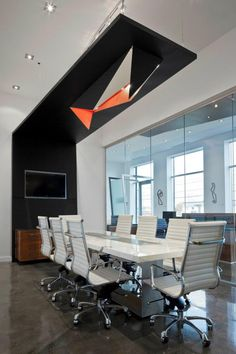 Love the boardroom table sala konferencyjna интерьер офиса, Corporate Interior Design, Corporate Interiors, Office Interior Design, Interior Design Inspiration, Design Ideas, Space Interiors, Office Interiors, Commercial Design, Commercial Interiors