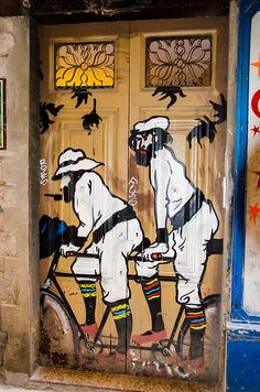 Street Art Doors - Porta, Tandem - Barcelona, Spain