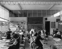Architect David Medd for obits.  A classroom at Little Green School, Croxley Green, Herts