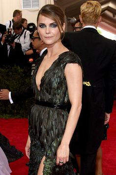 The 23 most unforgettable beauty looks from the Met Gala 2015 red carpet–Keri Russell.