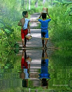 Boys of Bali walking in a trail Kids Around The World, We Are The World, People Around The World, Around The Worlds, Beautiful World, Beautiful People, Beautiful Pictures, Kids Photography Boys, Reflection Photography
