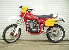 Vintage Montesa Photos/Specs/Parts Enduro Vintage, Vintage Motocross, Vintage Bikes, Vintage Motorcycles, Cars And Motorcycles, Moto Enduro, Enduro Motorcycle, Motocross Bikes, Motorcycle Art