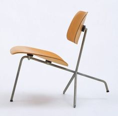 seatsnbeats:  Charles & Ray Eames :: Tilt-Back Side Chair :: Evans Products Co. :: c1944
