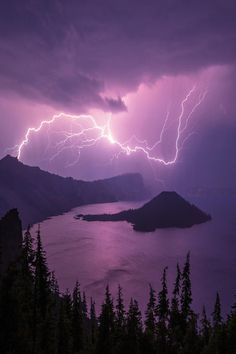 Crater Storm, by Chad Dutson -- Lightning storm over Crater Lake National Park, Oregon, USA All Nature, Amazing Nature, Science Nature, Beautiful Sky, Beautiful World, Beautiful Pictures, Crater Lake National Park, National Parks, Image Ciel