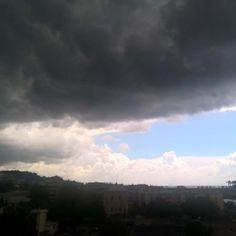 Nuvoloni #clouds #rain #sky #genova #italy