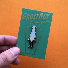 My backing cards arrived today so I'll be shipping everyone's pins out in the morning! Thank you to everyone who has ordered one so far, your support means the world! Happy haunting! 🎃 #illustration #fawnlorn #matthayton #ghostboy #pin #pingame #pinstagram