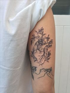 Heart with olive branches by Phoebe (Instagram: @phoebejhunter)