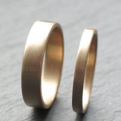 9ct Yellow Gold Wedding Band Set Two Wedding Rings 2mm by OddPower, £300.00 #menweddingrings