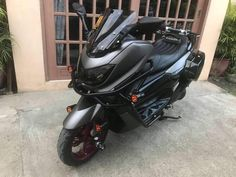 Yamaha Nmax, Yamaha Scooter, Scooter Scooter, Motosport, Motor Scooters, Matte Black, Cars And Motorcycles, Hot Wheels, Motorbikes