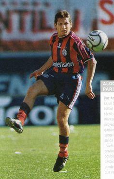 Aldo Paredes.Campeón con San Lorenzo de Almagro en Torneo Clausura 2001,Copa Mercosur 2001 y Copa Sudamericana 2002.