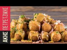 Cheese croquettes by Greek chef Akis Petretzikis. Make these quick and easy croquettes that are super delicious, cheesy and perfect for both kids and adults! Cooking Videos, Cooking Recipes, Greek Appetizers, Cheese Ball, New Recipes, Recipies, Potato Salad, Food Porn, Ethnic Recipes