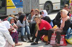 Σε Ελευσίνα και Ασπρόπυργο οι δύο χώροι φιλοξενίας προσφύγων Όπως ανακοινώθηκε από τον Αναπληρωτή Υπουργό Εθνικής Άμυνας Δημήτρη Βίτσα, σε σύσκεψη που πραγματοποιήθηκε στο ΥΠ.ΕΘ.Α. – παρουσία Δημάρχων της περιοχής – η Δυτική Αττική αναμένεται να φιλοξενήσει το προσεχές διάστημα πρόσφυγες σε δύο χώρους, που βρίσκονται στον Ασπρόπυργο και την Ελευσίνα. Σύμφωνα με τις ανακοινώσεις...