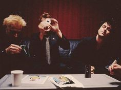 Find images and videos about green day, billie joe armstrong and tre cool on We Heart It - the app to get lost in what you love. Emo Bands, Music Bands, Green Day American Idiot, Longest Kiss, Hello Green, Jason White, Billie Joe Armstrong, Gorillaz, Stay The Night