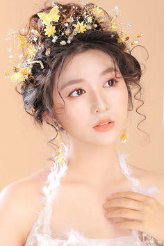 Asian Wedding Makeup, Bridal Makeup Looks, Bridal Hair And Makeup, Bridal Beauty, Deepika Padukone Dresses, Festival Makeup Glitter, Baby Frocks Designs, Make Up Braut, Beauty Studio