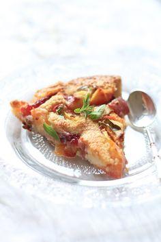 Clafoutis pêches/ verveine recette de Christophe Michalak   On dine chez Nanou - verveine fraîche