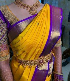 design of blouse indian weddings * design of blouse . design of blouse patterns . design of blouse back . design of blouse sleeves . design of blouse indian weddings Saree Jacket Designs Latest, Wedding Saree Blouse Designs, Blouse Designs Silk, Designer Blouse Patterns, Dress Designs, Sri Lankan Wedding Saree, Kerala Wedding Saree, Saree Wedding, Marathi Wedding