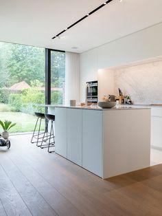 Kitchen Room Design, Home Decor Kitchen, Kitchen Furniture, Kitchen Interior, Home Interior Design, Home Kitchens, Home Panel, Modern Kitchen Island, Contemporary Kitchen Design